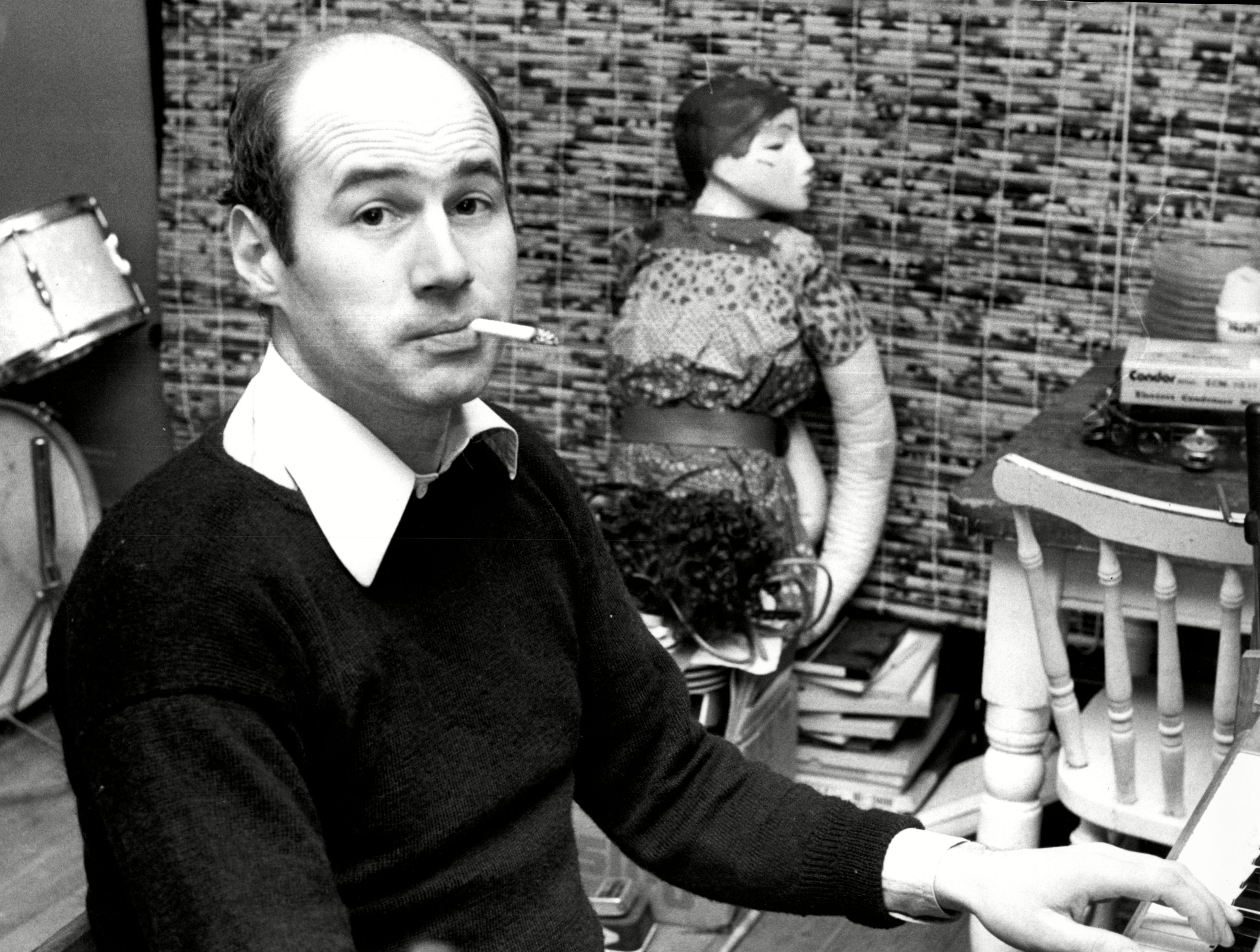 Neil Innes, 'Monty Python' Songwriter, Rutles Co-Founder, Dead at 75 - EpicNews