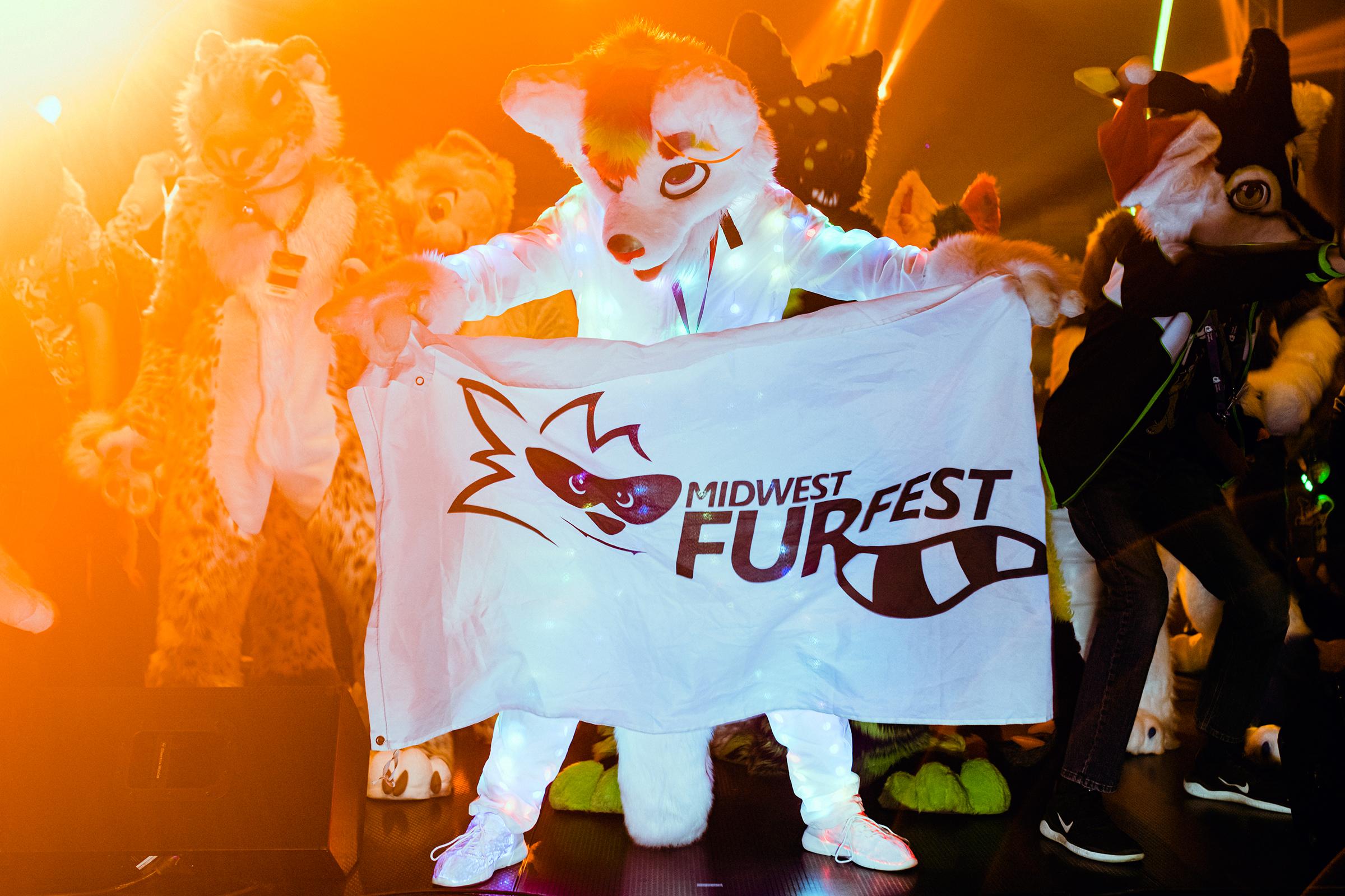 December 4th, 2019 - Rosemont, IL - Midwest Furr Fest at Donald E. Stephens Convention Center. Furrfest dance party at Midwest Furr Fest