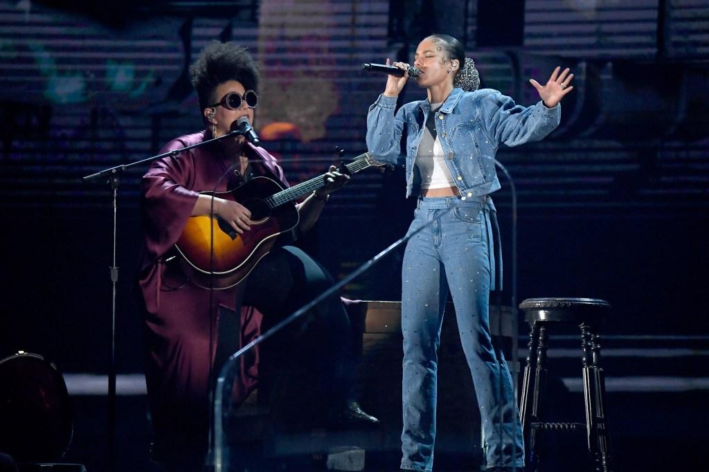 Alicia Keys Performs New Song 'Underdog' at 2020 Grammys