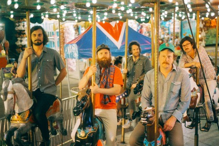 Psychedelia and Twang: Futurebirds Expand Country-Rock on New Album 'Teamwork'