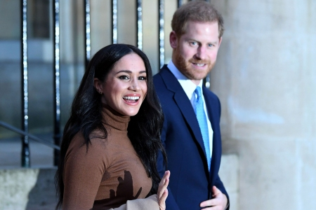 Prince Harry, Meghan Markle 'Step Back' From Royal Family