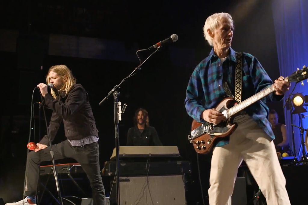 Taylor Hawkins and the Doors Perform a Bluesy 'Love Me Two Times' at Ray Manzarek Tribute
