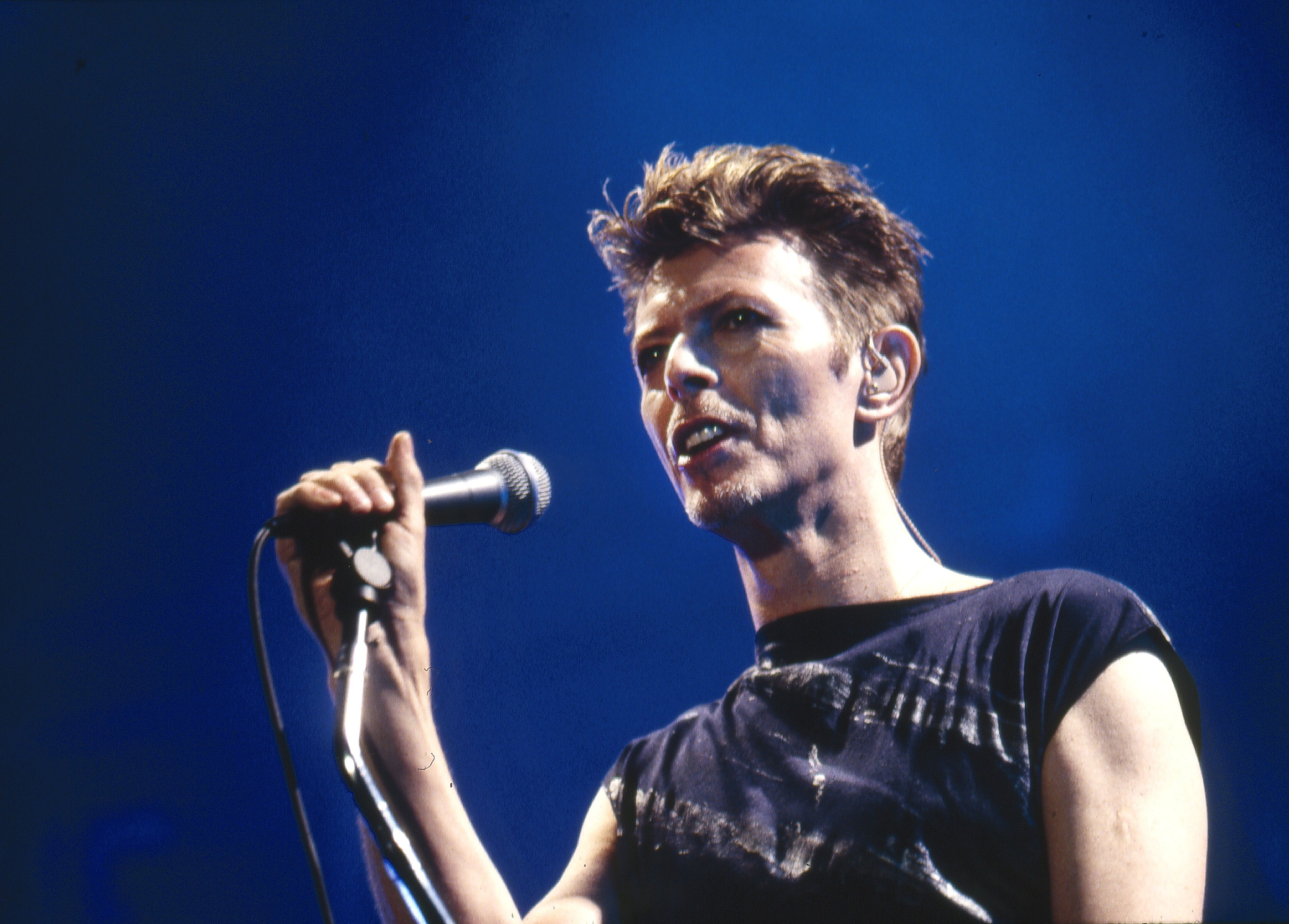 Hear David Bowie's Rare 'Live Eno Mix' of 'The Man Who Sold the World'