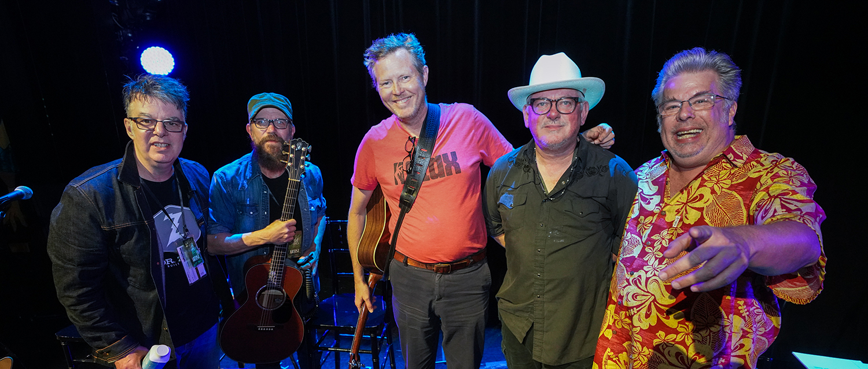 Mojo Nixon, Jon Langford Debate Alt-Country, Sing Johnny Cash's 'Big River'