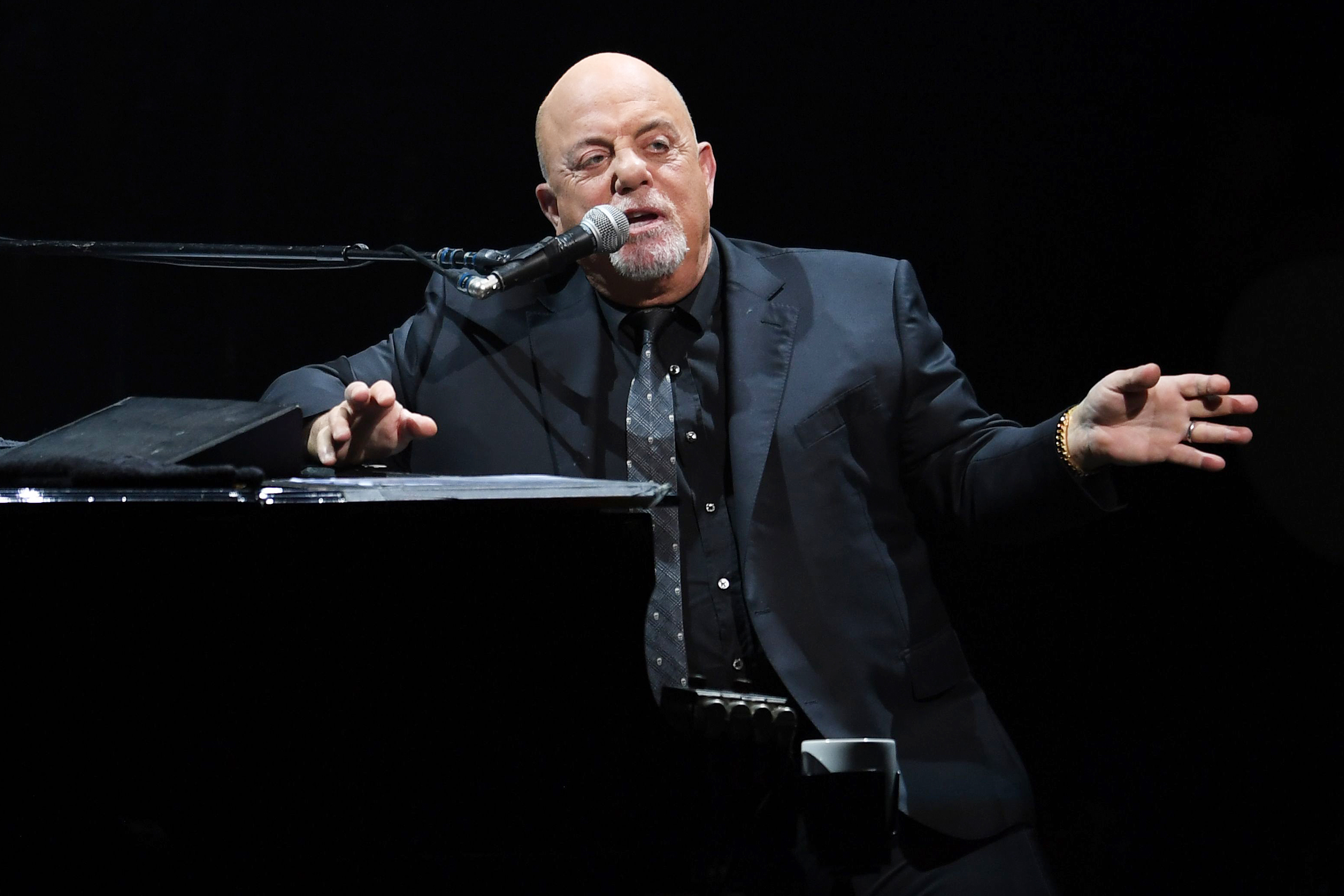 Watch Billy Joel Warn Would-Be Robbers Not to Hit His House Again