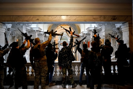Fully Armed Rally-Goers Enter Kentucky's Capitol Building