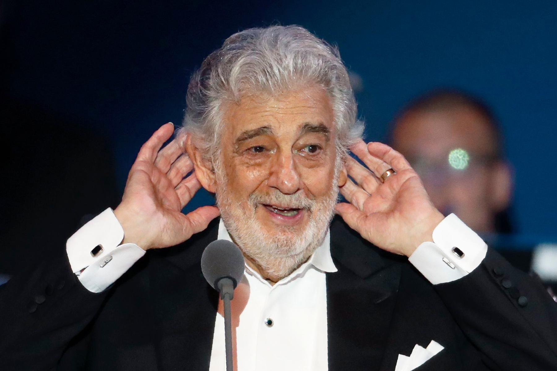 48 Hours After Apologizing, Placido Domingo Rescinds His Statement