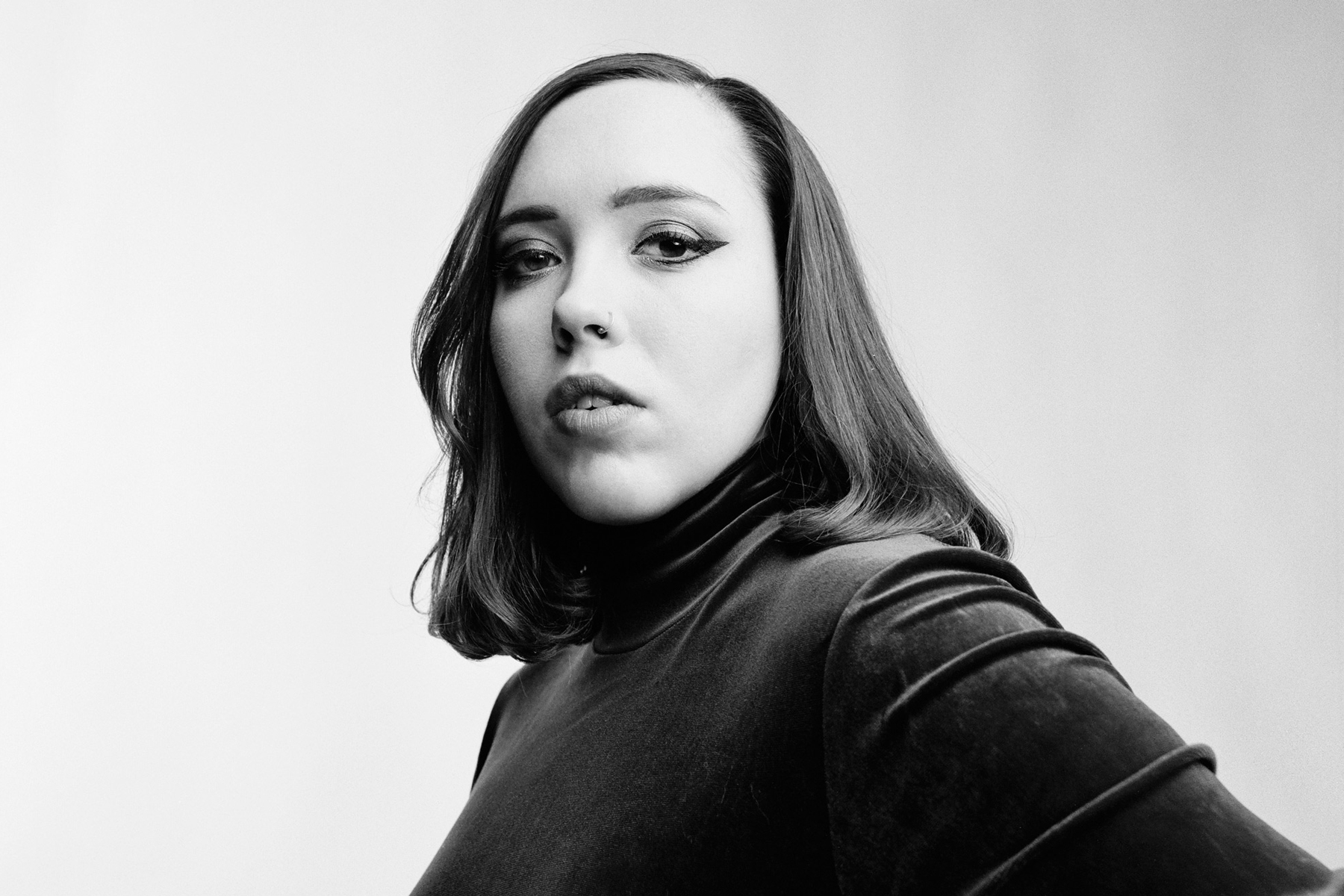 Soccer Mommy Channels Sweet, Nineties-Steeped Sadness on 'Color Theory'