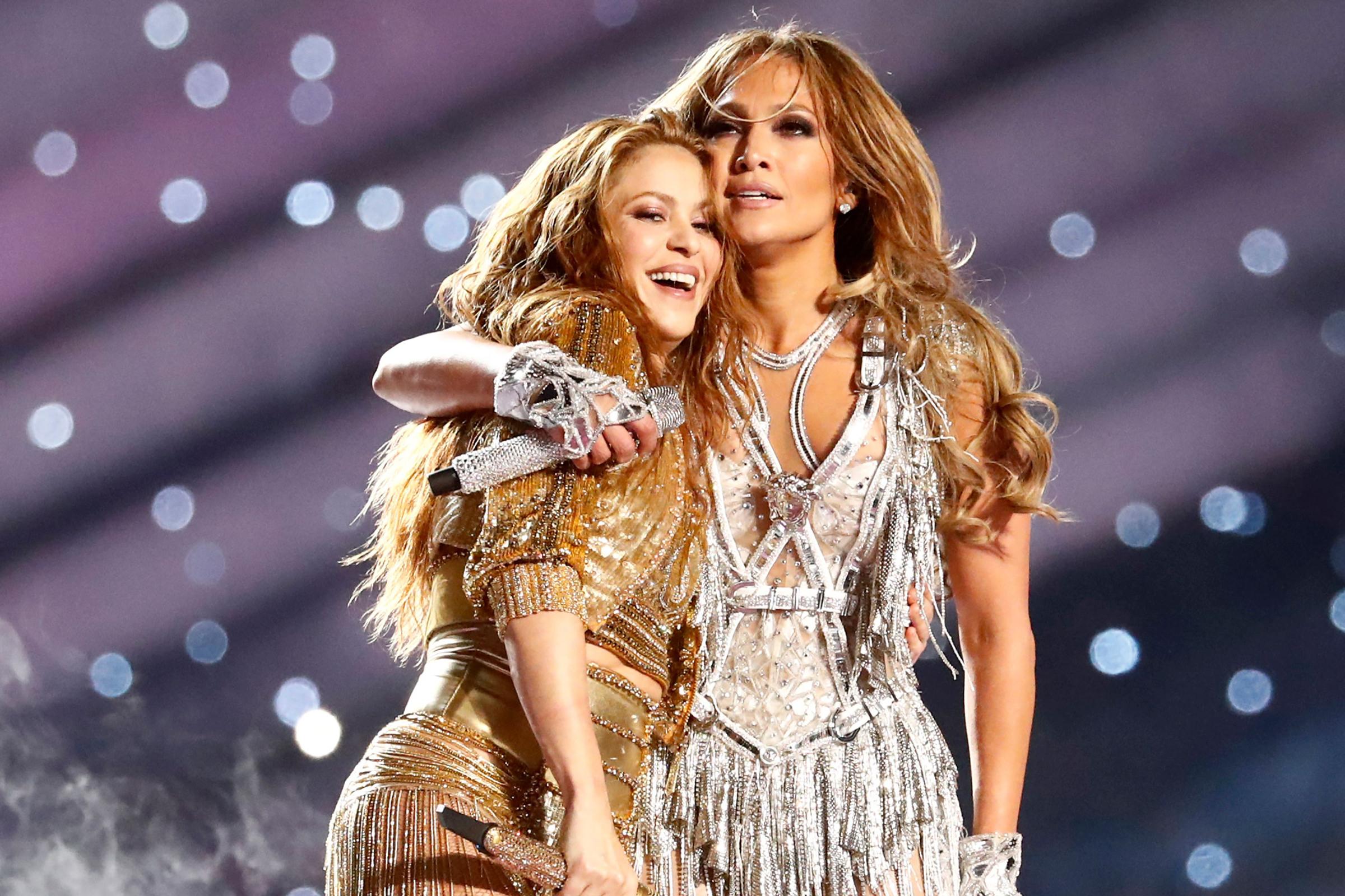 Jennifer Lopez Shakira Get Loud At Super Bowl 2020 Halftime Show Rolling Stone
