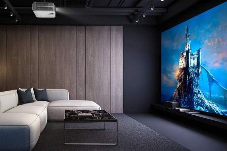 Best 4K Projectors 2020: Top-Rated Indoor, Outdoor 4K Movie Projector -  Rolling Stone