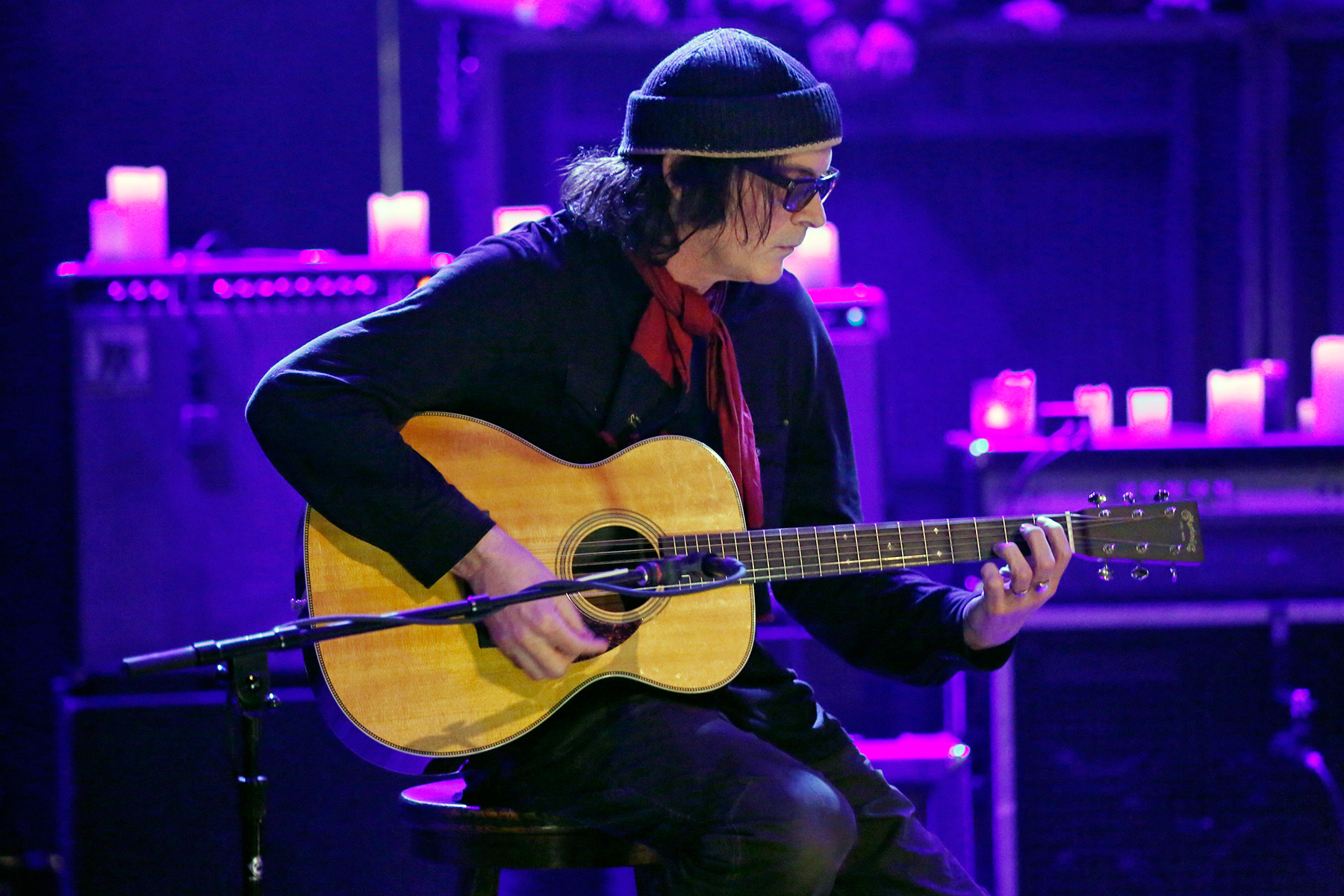 "LATE NIGHT WITH JIMMY FALLON -- Episode 936 -- Pictured: Musical guest David Roback of Mazzy Star performs ""California"" on Monday, November 25, 2013 -- (Photo by: Lloyd Bishop/NBCU Photo Bank/NBCUniversal via Getty Images via Getty Images)"