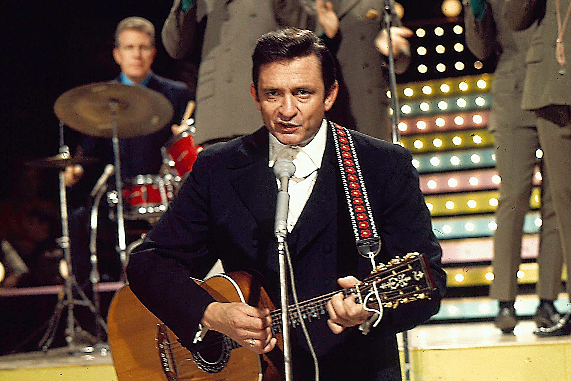 Flashback: Johnny Cash Puts His Stamp on 'Sunday Morning Coming Down'
