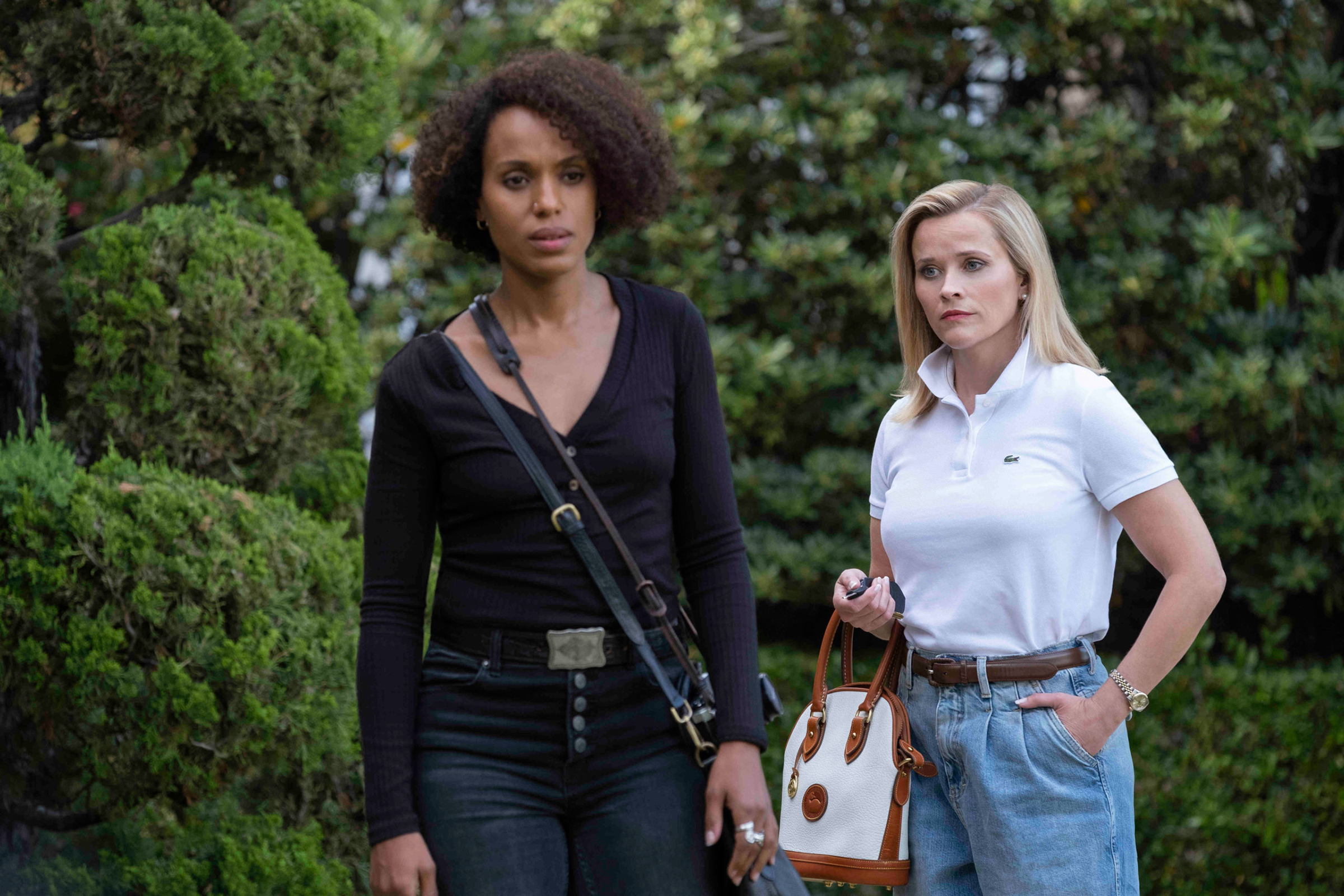 Reese Witherspoon, Kerry Washington Battle Over Shameful Secret in 'Little Fires Everywhere' Trailer