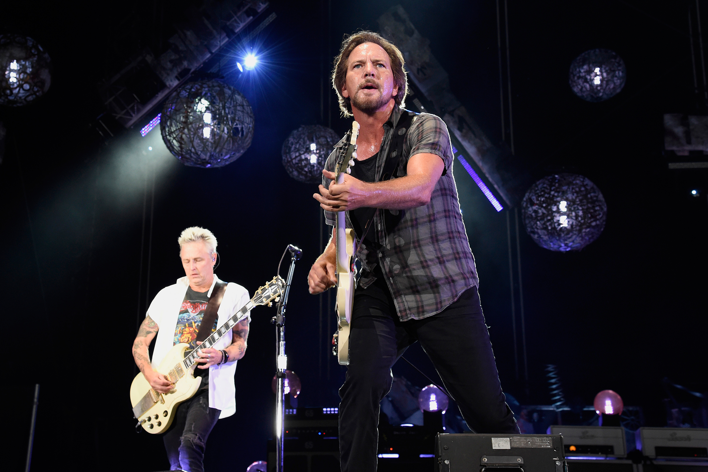 Pearl Jam to Play Intimate Apollo Theater Show Before 'Gigaton' Release