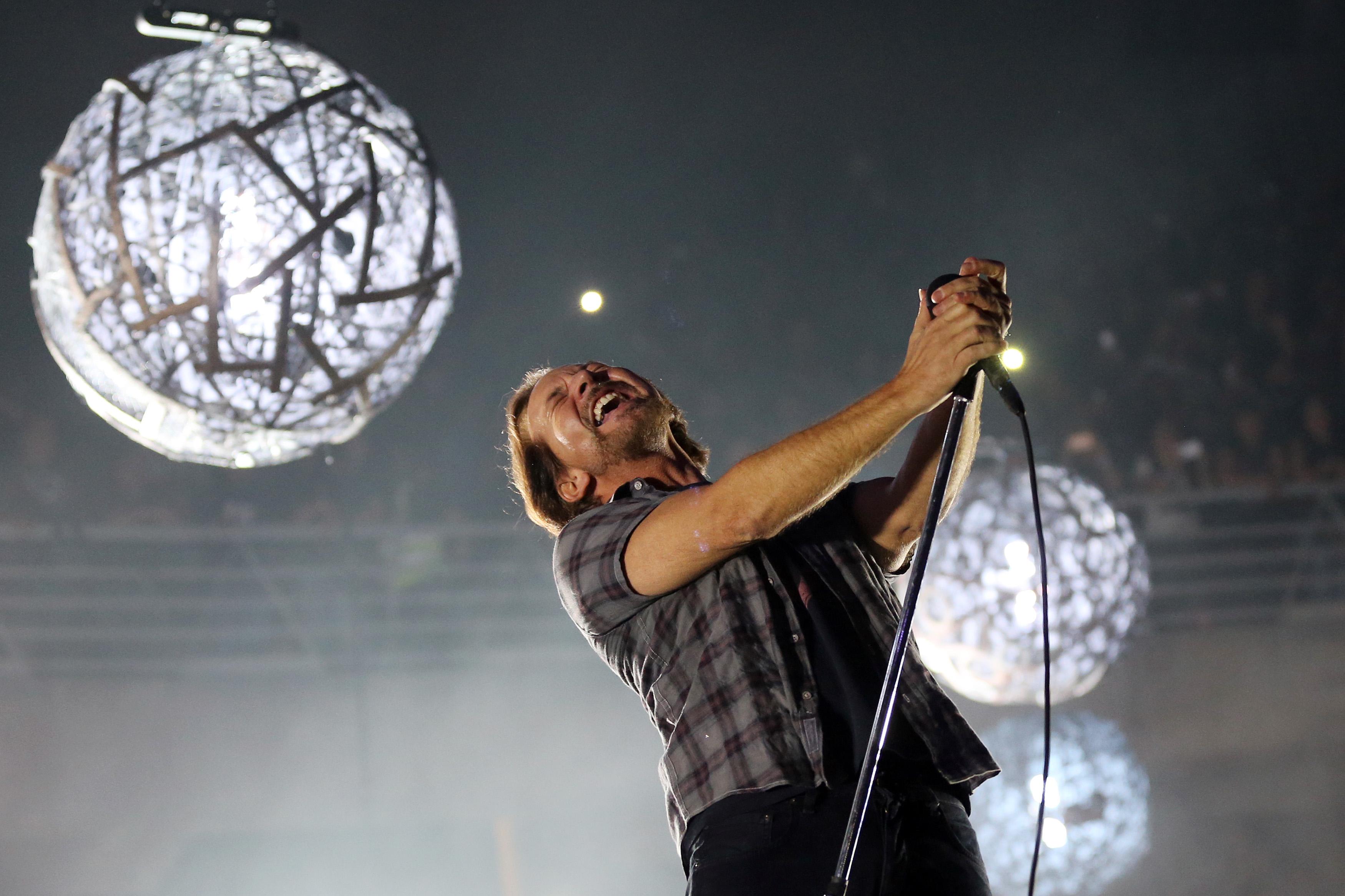 Hear Pearl Jam's Lively New Single 'Superblood Wolfmoon'