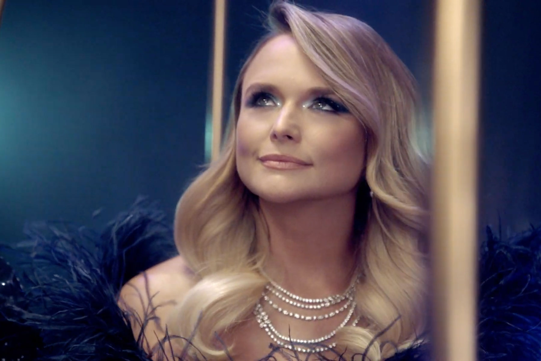 Miranda Lambert Performs Inside Giant Birdcage in 'Bluebird' Video ...