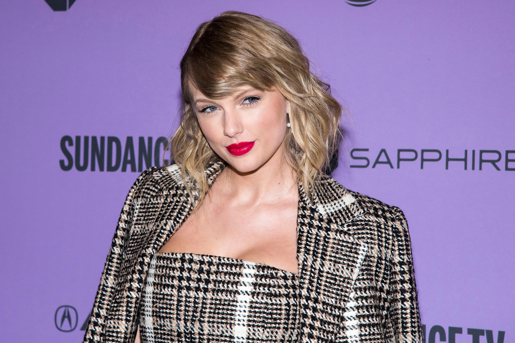 Taylor Swift Donates 1 Million To Nashville Tornado Relief Rolling Stone