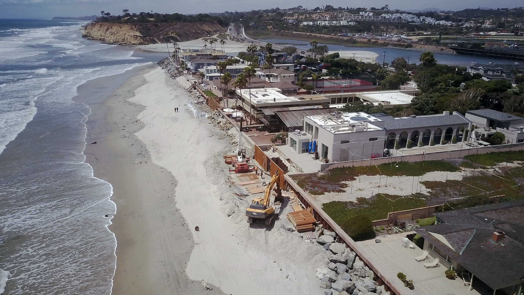 February 9, 2018 - San Diego, CA, USA - DEL MAR, CA.- MAY 21, 2018,-Homes along Ocean Front between Powerhouse Park and the mouth of the San Dieguito River are in high danger due to global warming. PHOTO/JOHN GIBBINS Staff photographer, San Diego Union-Tribune) copyright 2018 (Credit Image: © John Gibbins/San Diego Union-Tribune via ZUMA Wire)