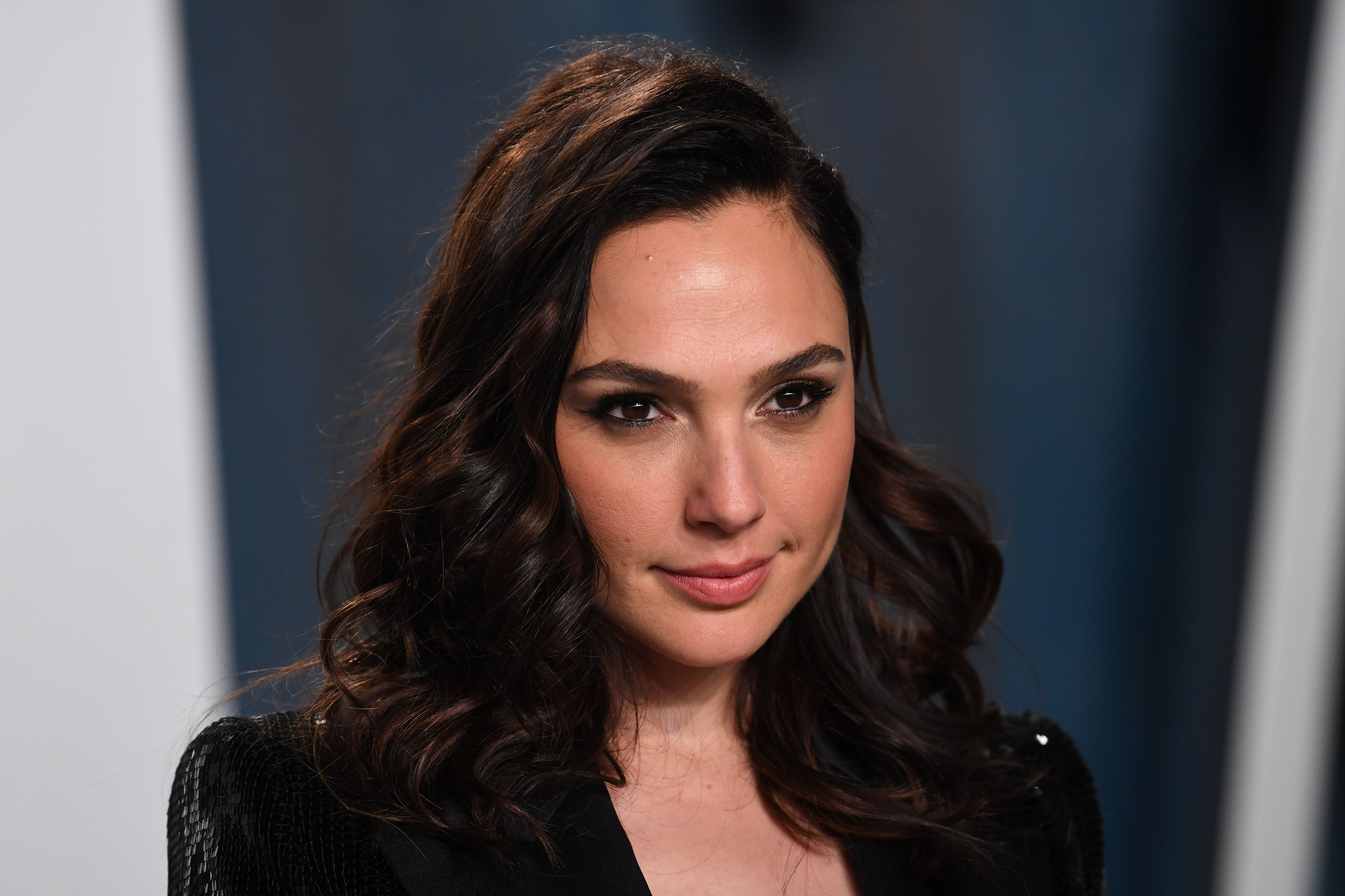 Watch Gal Gadot, Will Ferrell, Sia, Natalie Portman and More Cover 'Imagine' - EpicNews