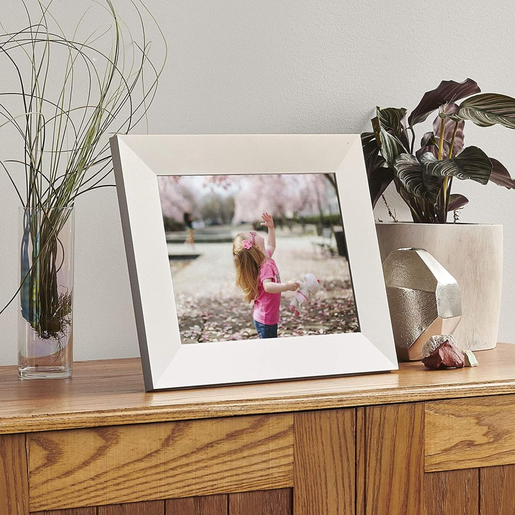 digital picture frame silver
