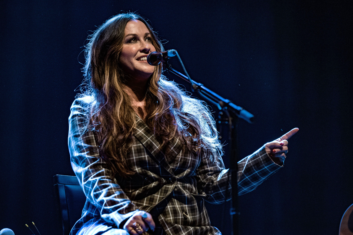Alanis Morissette Tackles Mental Illness on New Song 'Diagnosis' - EpicNews