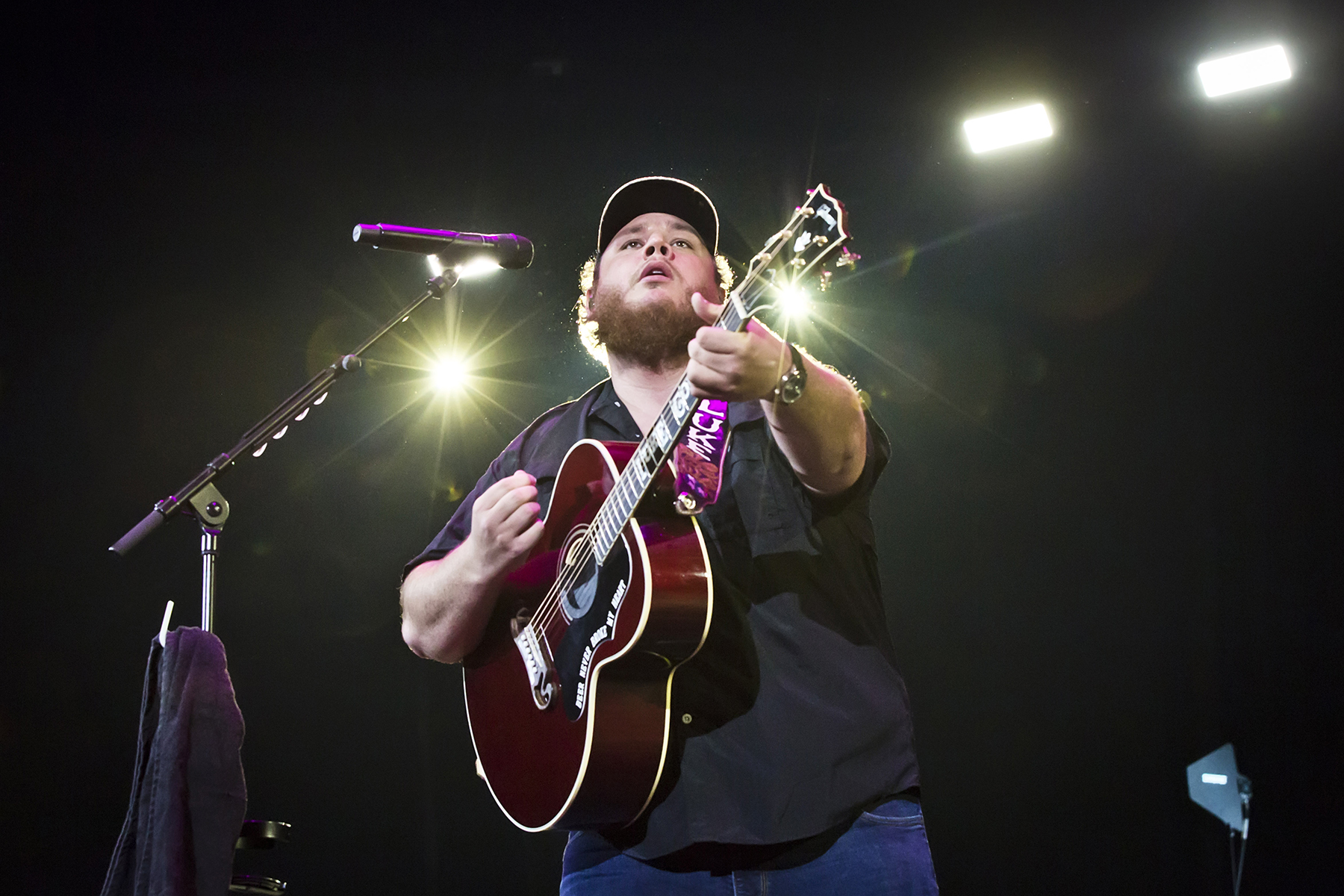 How Luke Combs Is Spending His Time During Quarantine Rolling Stone