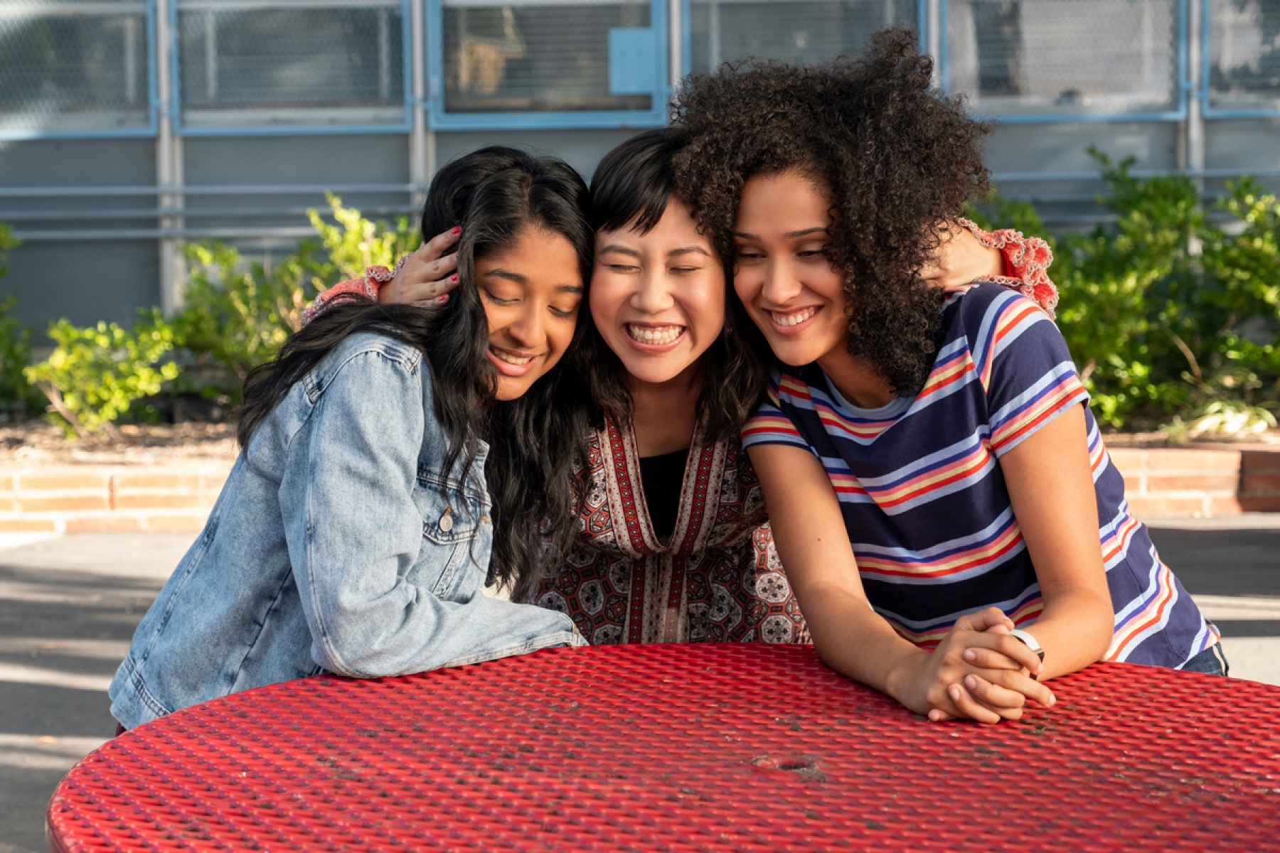 Never Have I Ever' Review: Mindy Kaling's Tender New Teen Comedy ...