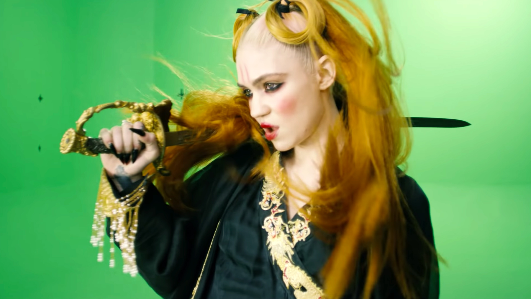 Grimes Encourages Fans to Make Their Own Music Videos With ...