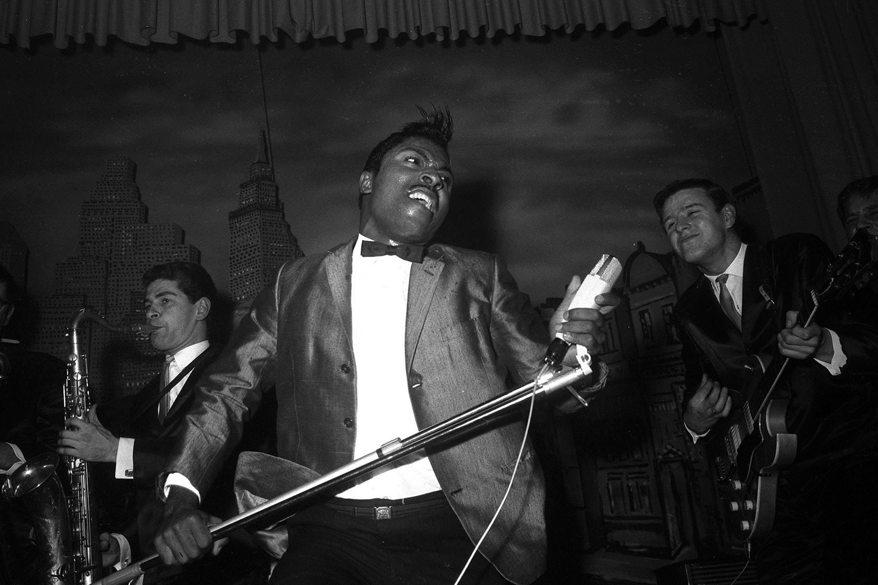May 9, 2020: FILE: LITTLE RICHARD (Richard Wayne Penniman) a founding father of rock and roll whose fervent shrieks, flamboyant garb, and joyful, gender-bending persona embodied the spirit and sound of that new art form, died Saturday. He was 87. PICTURED: October 31, 1962, Hamburg, Germany: Singer LITTLE RICHARD performs. (Credit Image: © Imago via ZUMA Press)
