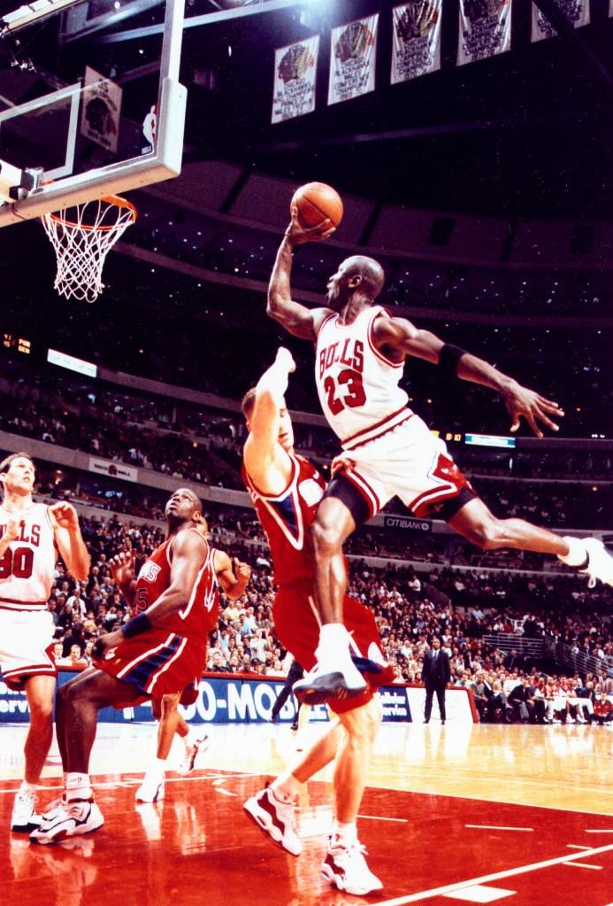Michael Jordan Jump Shot the Chicago Bulls Michael Jordan 1998