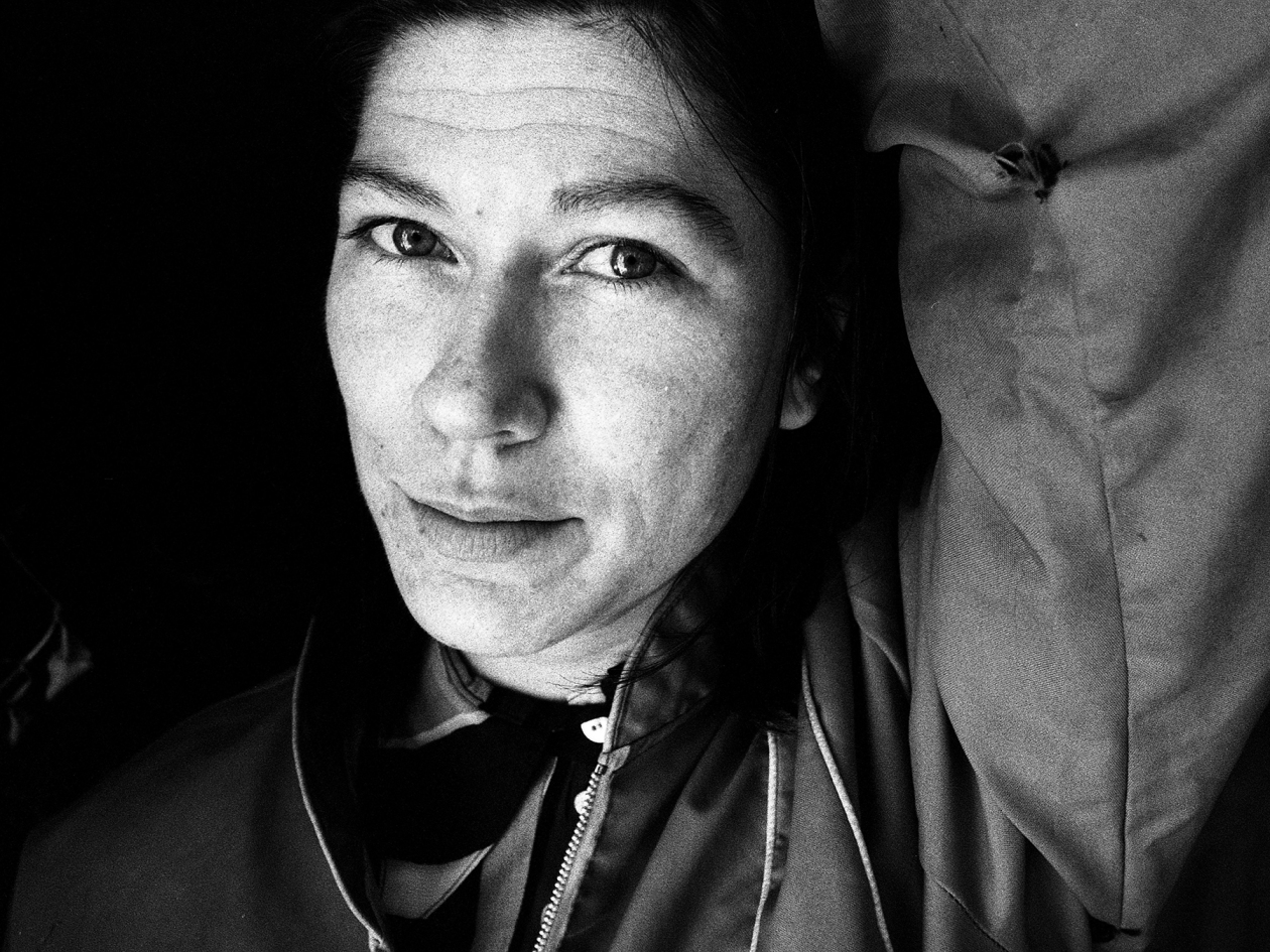 Kim Deal of The Amps, Dayton, Ohio, United States, 30th October 1995. (Photo by Martyn Goodacre/Getty Images)