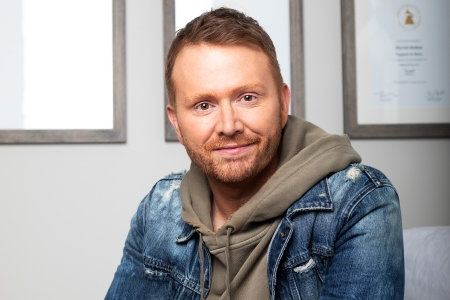 Shane Mcanally The Country Music Guru Of Nbc S Songland At Work Rolling Stone