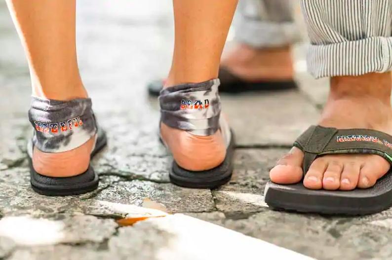 sanuk grateful dead sandal
