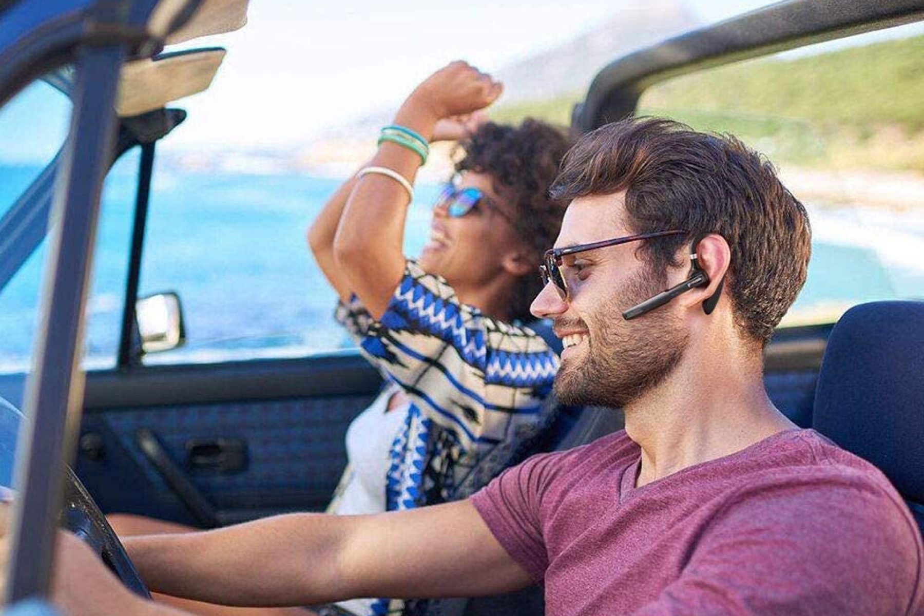 Best Bluetooth Headsets 2020 Hands Free Calling Wireless Earbud Mics Rolling Stone