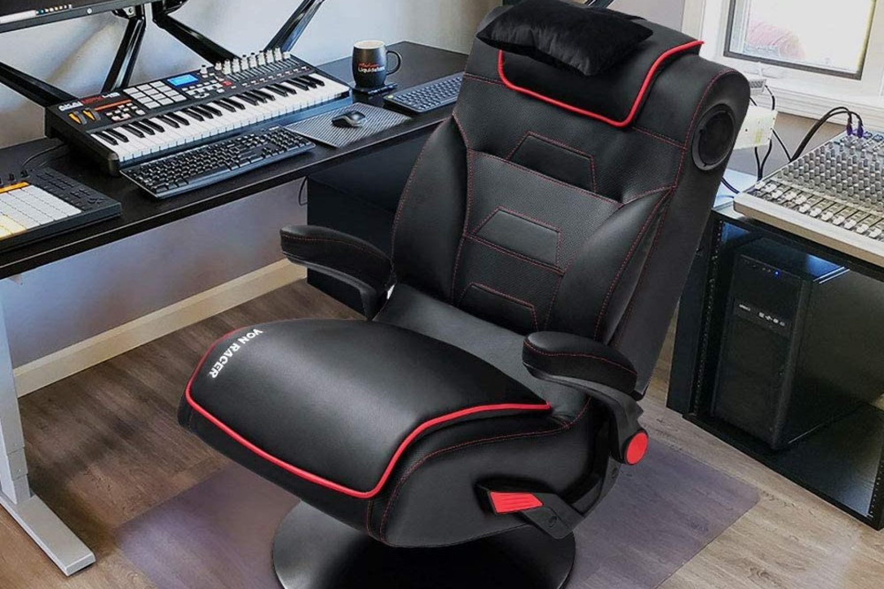 Shop Best Gaming Chairs With Speakers (2020) for PC, Xbox & PS4