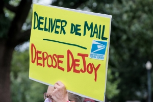 Biden to Overhaul Postal Service Board, Putting DeJoy on the Ropes