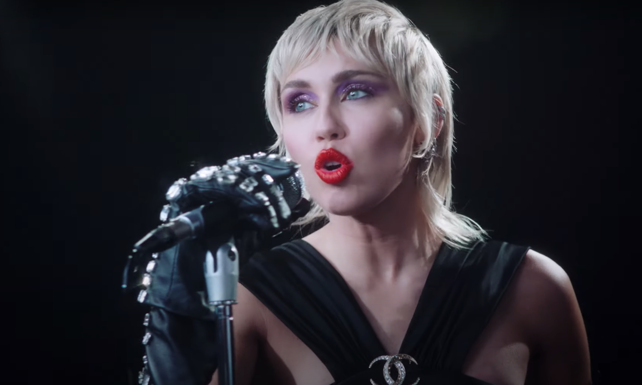 Watch Miley Cyrus Sassy Self Directed Video For Midnight Sky Rolling Stone