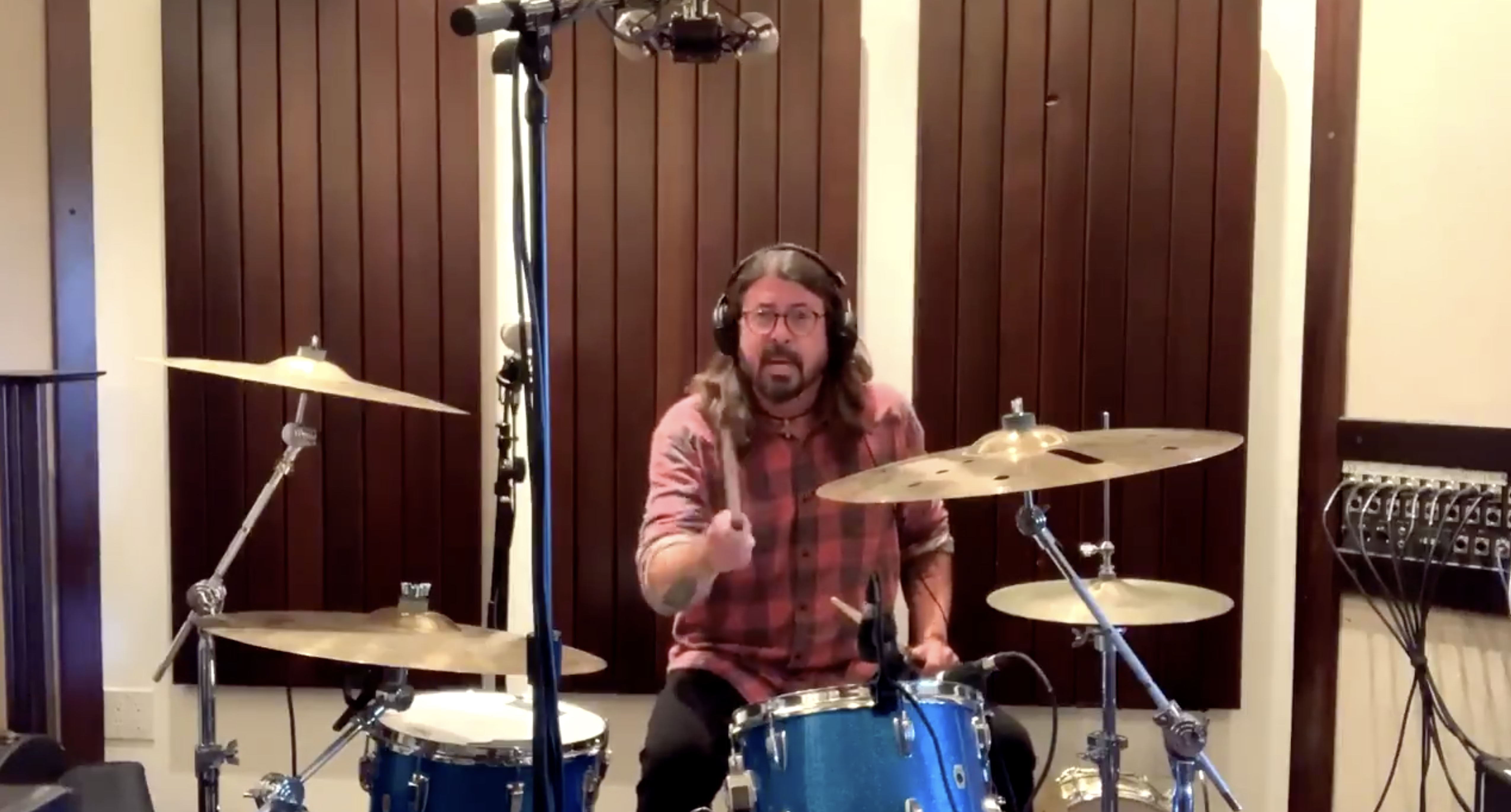 Dave Grohl Accepts 10-Year-Old Drummer's Virtual Drum-Off Challenge