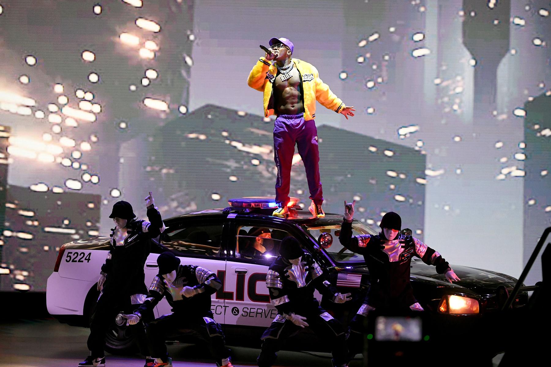 2020 VMAs: Watch DaBaby Perform 'Rockstar,' Medley of ...