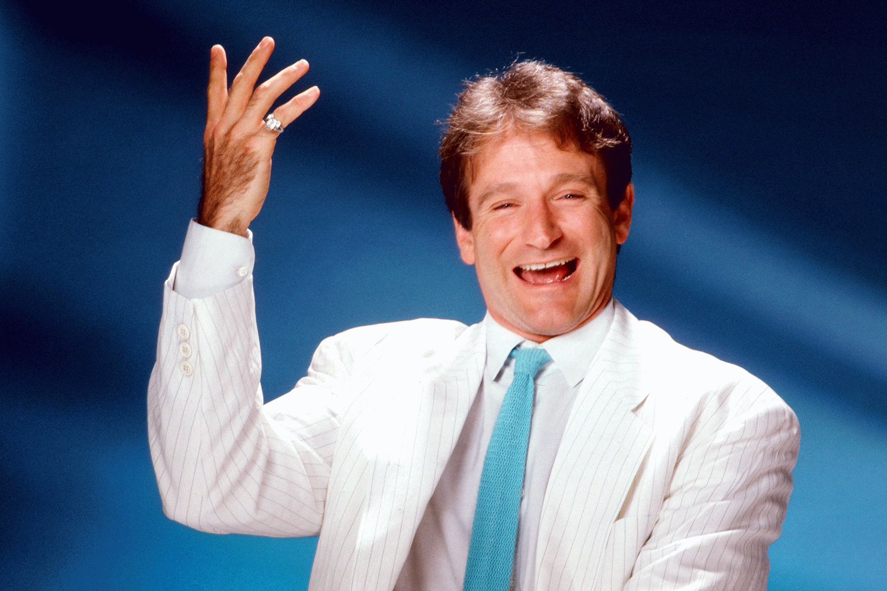 LOS ANGELES - CIRCA 1999:  Actor and comedian Robin Williams poses for a portrait circa 1999 in Los Angeles, California. (Photo by Harry Langdon/Getty Images)