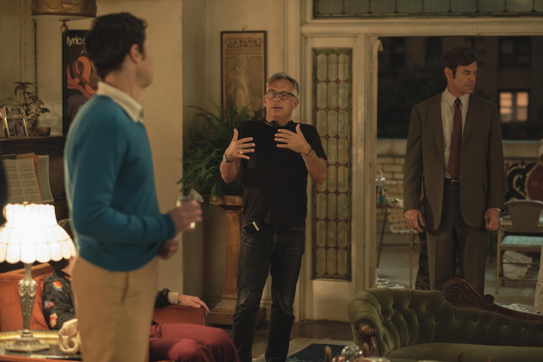 THE BOYS IN THE BAND (2020)Jim Parsons, Joe Mantello and Tuc Watkins. Cr. Scott Everett White/NETFLIX ©2020