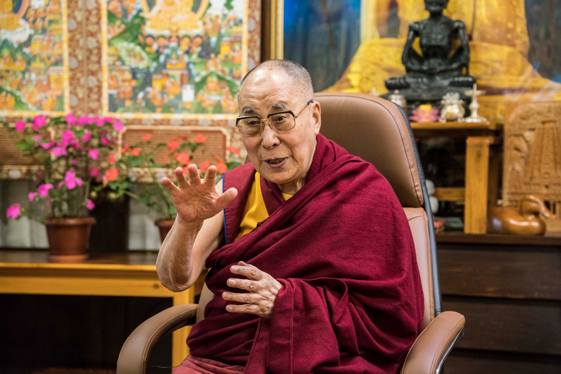 Dalai Lama Message Of Hope From His Holiness Rolling Stone