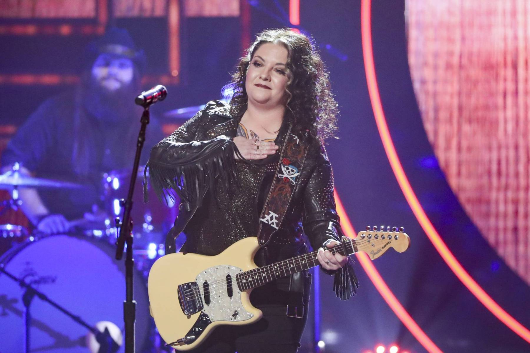 2020 Cmt Music Awards How To Watch Who S Performing Streaming Rolling Stone