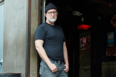 Bob Mould Rages Gloriously Against Injustice on 'Blue Hearts'