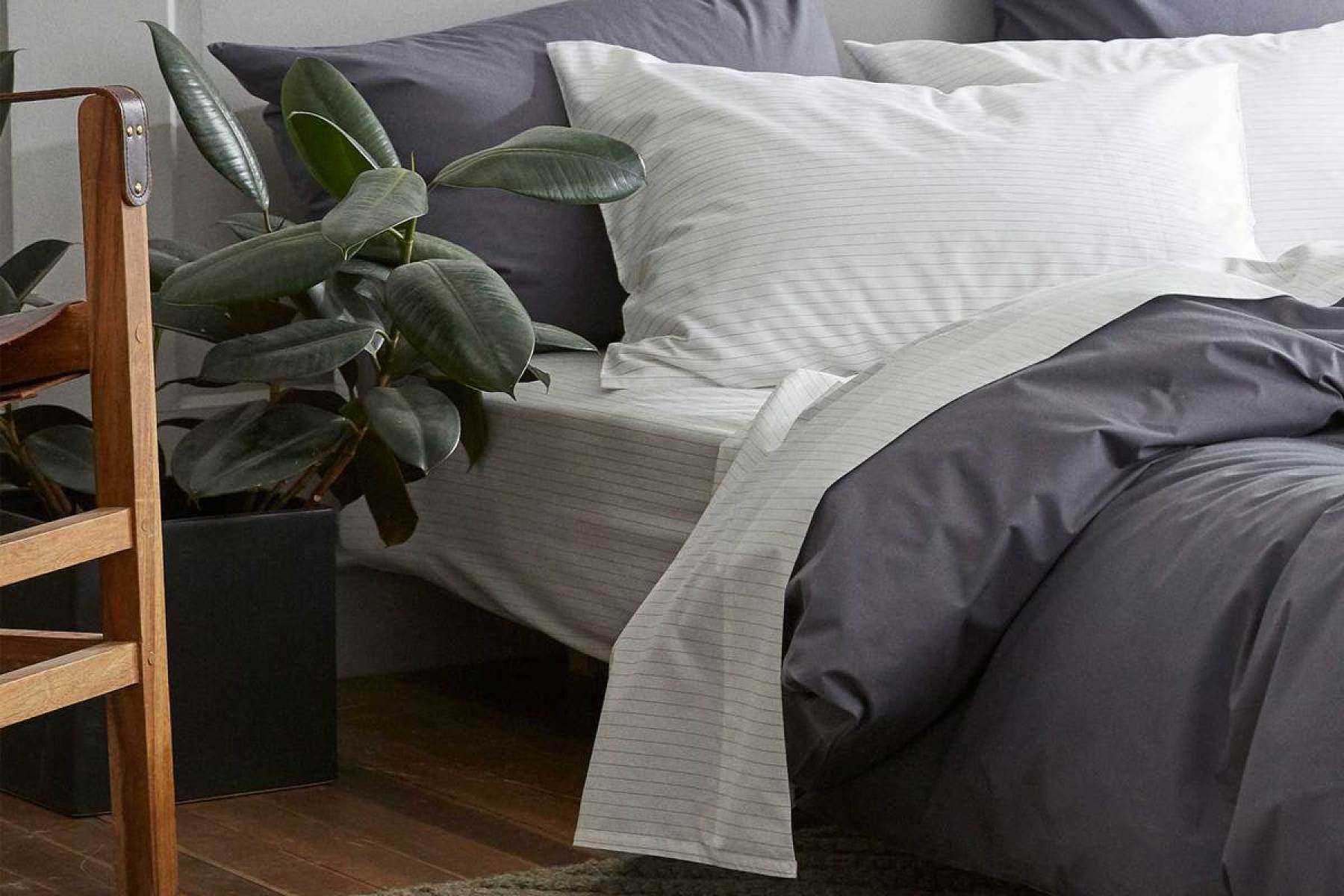 Best Bed Sheets 2020 Brooklinen Parachute L L Bean Bedding Reviews Rolling Stone