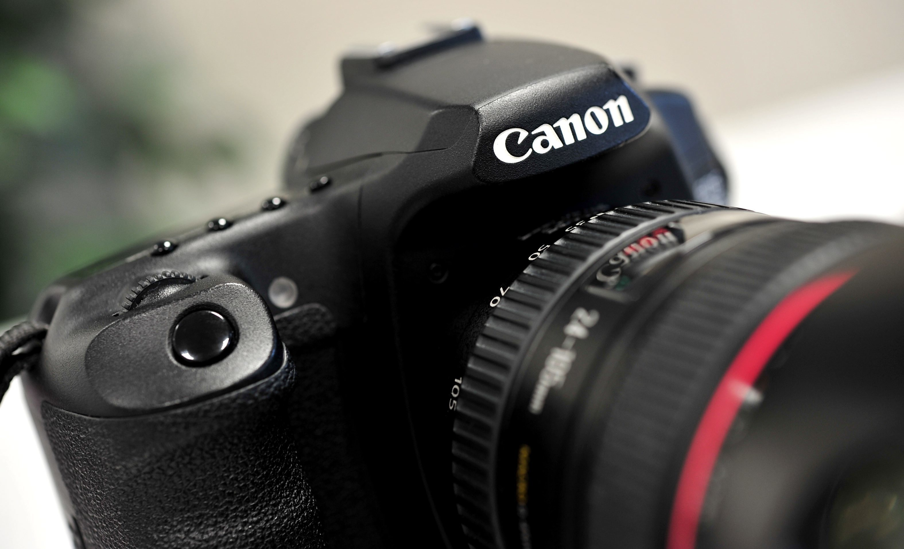 <p>Yes, You Can Get a Canon Digital Camera Right Now for Just $229 thumbnail