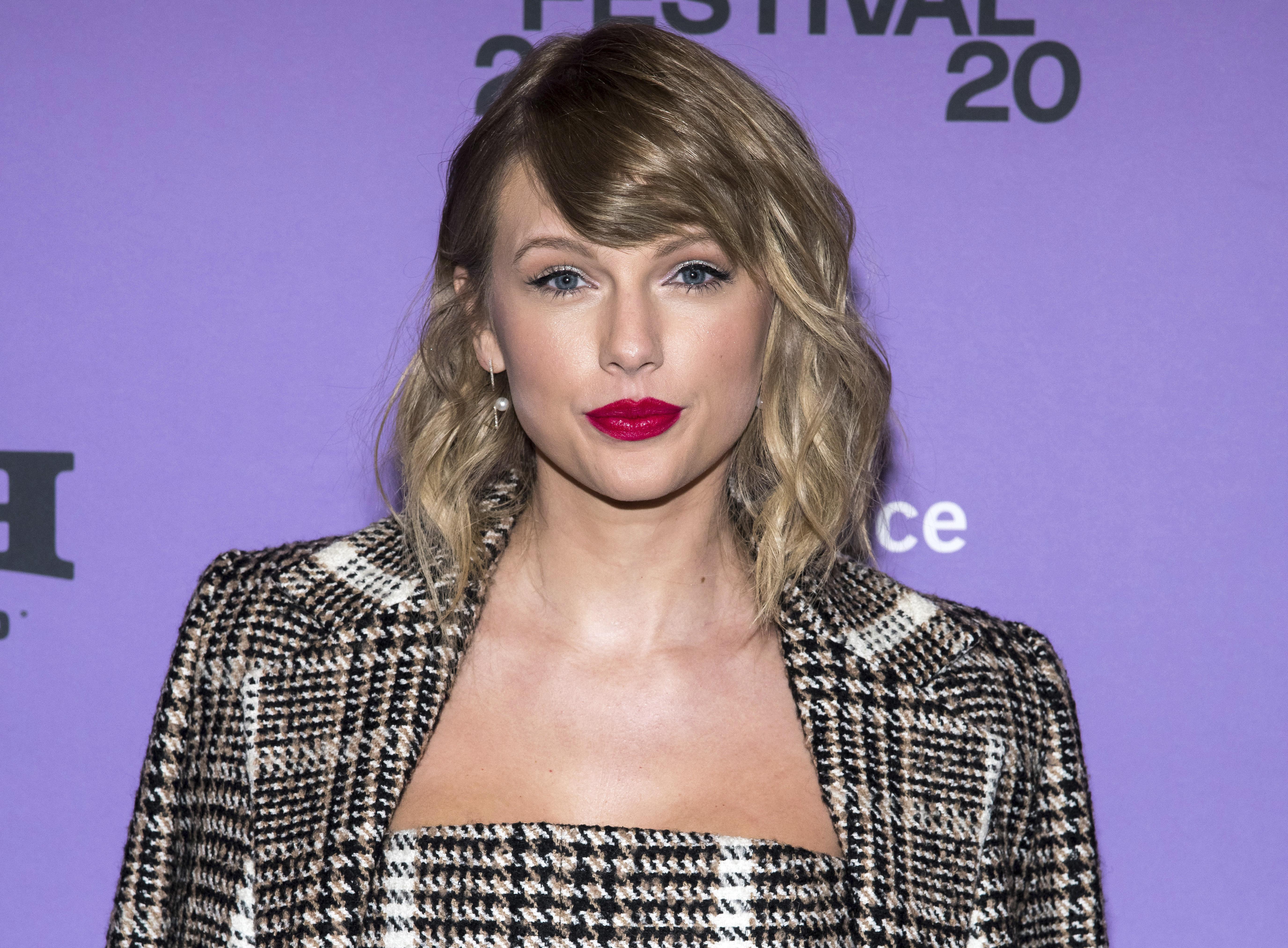 Taylor Swift Endorses Joe Biden Kamala Harris Rolling Stone