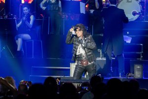 Alice Cooper, Lzzy Hale to Judge 'No Cover' Band Competition TV Show