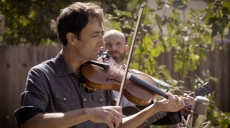 Andrew Bird Searches for Joy Ahead of the Covid-19 Holiday Season in 'Christmas in April'