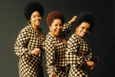 Staple Singers Release New Lyric Video for 1971 Protest Anthem 'Respect Yourself'